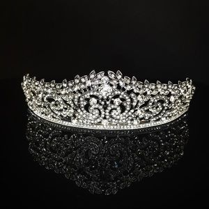 Vintage leaves tiara